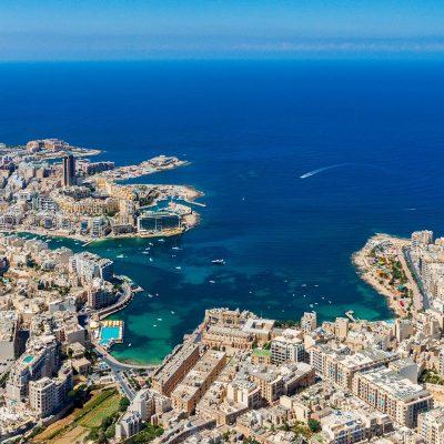 bờ biển Malta nơi có chỗ đậu cho các siêu du thuyền