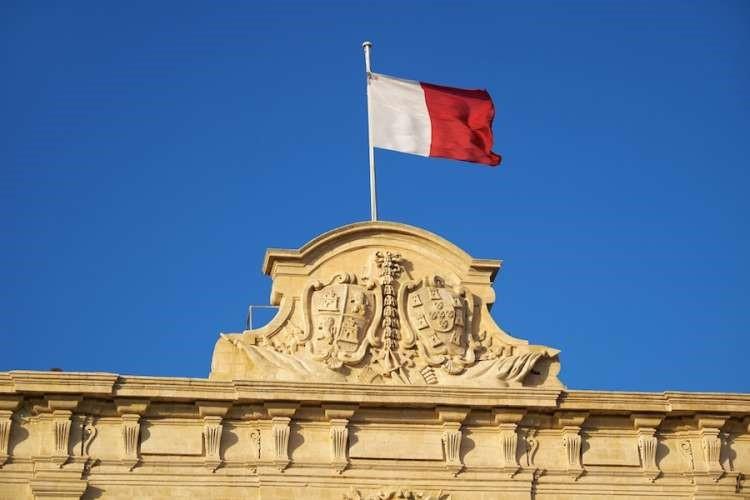 cách cư trú Malta 2021